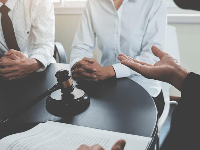 https://rpadoanadvogados.com.br/wp-content/uploads/2020/02/Consultoria-Jurídica-para-empresas-R.-Padoan-Advogados-conteúdo-min-640x480.png